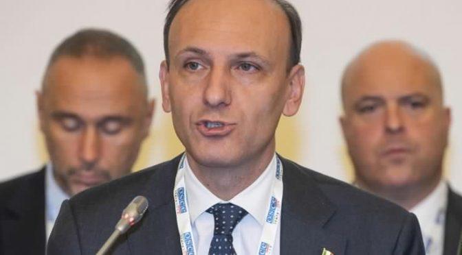 Subsecretario italiano Guglielmo Picchi en Embajada de Italia de Santiago